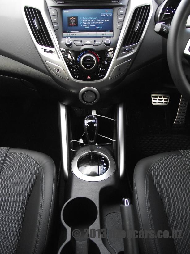 2012 Hyundai Veloster 052
