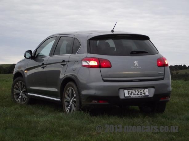Peugeot 4008 030